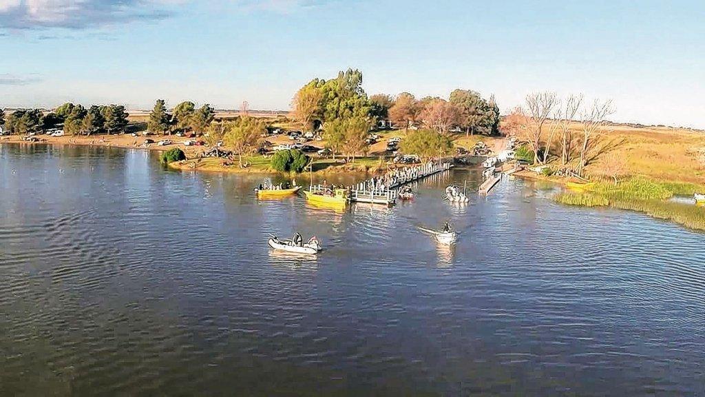 Pescar en la laguna Suace Grande